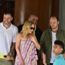 Kylie Minogue met fans at the door of her hotel in in Sao Paulo - 454 x 679