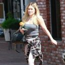 Hilary Duff – Outside a gym in Studio City