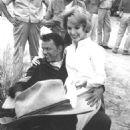 Ruta Lee With Frank Sinatra - 454 x 530