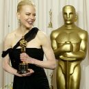 Nicole Kidman At The 75th Annual Academy Awards (2003) - Press Room - 360 x 433