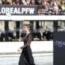 Bianca Balti – L'Oreal Runway Show in Paris - 454 x 303