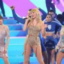 Taylor Swift – Performs at 2019 American Music Awards in Los Angeles