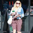 Busy Philipps – Shopping in LA - 454 x 681