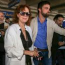 Susan Sarandon Arriving at Airport in Nice - 454 x 681