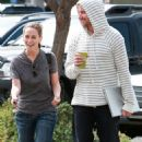 Jennifer Love Hewitt: Eating Out with Her Man