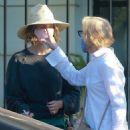 Sarah Paulson and Holland Taylor – Shopping candids on Melrose Place in West Hollywood - 454 x 681