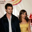 Daniel Gillies and Rachael Leigh Cook - 454 x 681