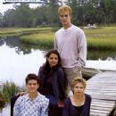 Joshua Jackson, Katie Holmes, James Van Der Beek And Michelle Williams In Dawson's Creek (1998)