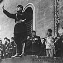 Benito Mussolini - 451 x 330