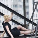 Kate Winslet Posing - Her Photoshoot For The August Issue Of Harper's Bazaar In New York 2009-05-01