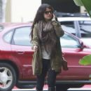 Selena Gomez: headed to Hooters in Burbank
