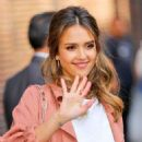 Jessica Alba - The Late Show with Stephen Colbert - 454 x 570