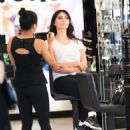Brittny Gastineau gets her make up done in Beverly Hills, California on August 4, 2016 - 454 x 549
