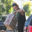 Nicole Murphy – Shopping Candids at Bristol Farms In Beverly Hills - 454 x 516