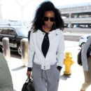 Kelly Rowland – Arriving at LAX Airport in Los Angeles