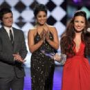 Demi Lovato - 2012 People's Choice Awards - Show - 454 x 310