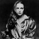 Michelle Phillips - 454 x 475