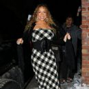 Mariah Carey did some Christmas shopping while vacationing in Aspen, Colorado on December 22, 2012