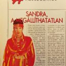 Sandra Bullock - Képes Európa Magazine Pictorial [Hungary] (8 October 1997) - 454 x 949