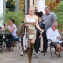Kylie spotted Out for lunch at The Commons in Calabasas, CA October 7, 2016