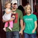 Tom Welling and Allison Mack - 300 x 400