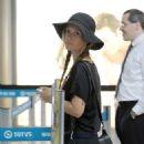 Juliana Didone embarks on Sao Paulo airport - 454 x 682