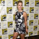 Emily Bett Rickards– Comic-Con International 2016 - 'Arrow' Press Line - 420 x 600