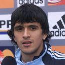 Lucho González - 454 x 318