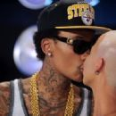 Amber Rose and Wiz Khalifa Attend the 28th Annual MTV Video Music Awards at the Nokia Theatre L.A. Live in Los Angeles, California -  August 28, 2011 - 454 x 322