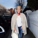 Kylie Minogue – Leaves her house in London