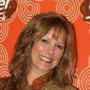 Wendy Schaal - 320 x 480