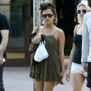 Caroline Flack goes for a stroll with friends in downtown Miami, Florida on January 2, 2016 - 388 x 600