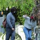 Jennifer Garner – Spotted with Edgar Ramirez as he leaves her house in Brentwood