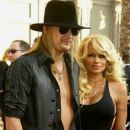 Kid Rock and Pamela Anderson - 370 x 451