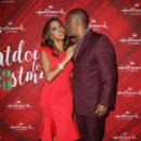 Holly Robinson Peete – 'Christmas at Holly Lodge' Screening in LA - 454 x 669