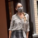 Sarah Jessica Parker – Visits her SJP Collection Shoe Store in New York