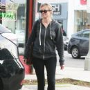 Amy Smart enjoys a day of shopping with her mom Judy in West Hollywood, California on December 15, 2014 - 439 x 594