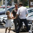 Peter Facinelli Lunches With Daughter and Dave Abrams - June 15, 2016 - 454 x 523
