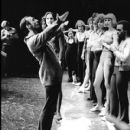 A Chorus Line 1975 Broadway Cast By Michael Bennett - 410 x 479