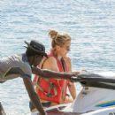 Tea Leoni in Bikini on holiday in Barbados - 454 x 598