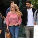 Britney Spears – Out and about in Paris