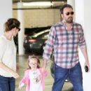 Jennifer Garner and Ben Affleck and Ben Affleck having dinner at Brentwood in Los Angeles (June 2)