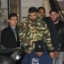 Drake does some shopping in Beverly Hills, California on December 8, 2016 - 454 x 530