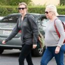 Amy Smart enjoys a day of shopping with her mom Judy in West Hollywood, California on December 15, 2014 - 454 x 521
