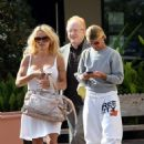 Pamela Anderson - Malibu Candids, 15.04.2008.