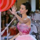 """Katy Perry Performs On NBC's """"Today"""" - August 27, 2010"""