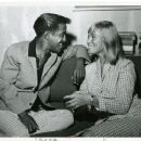 Sammy Davis Jr & May Britt - 454 x 371
