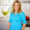 Trisha Yearwood for Country Woman magazine March 2015 - 360 x 400