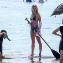 Hailey Baldwin – Photoshoot on the beach in Miami