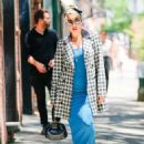 Lady Gaga – Leaving a boutique in New York City